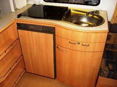 ansamblu frigider aragaz chiuveta.jpg