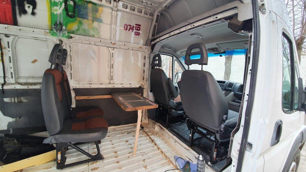 scaune 2.jpg